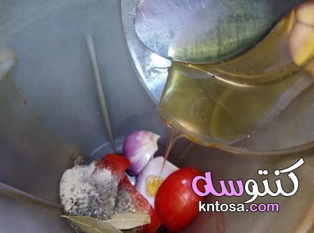 طريقة عمل الفراخ المشوية بالزجاجة بالصور،طريقه الفراخ المشويه على الازازه،طريقة تتبيلة الفراخ المشوى kntosa.com_01_20_158