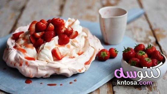 طريقة عمل كيكة بصوص الفراولة kntosa.com_10_21_162